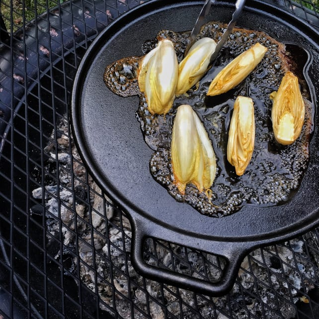 Why Buy A Cast Iron Pan Reviewed Com Ovens
