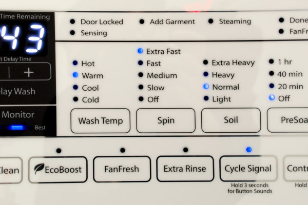 This is the control panel of the WFW95HEDW, but it has all the same options of its cheaper brethren.