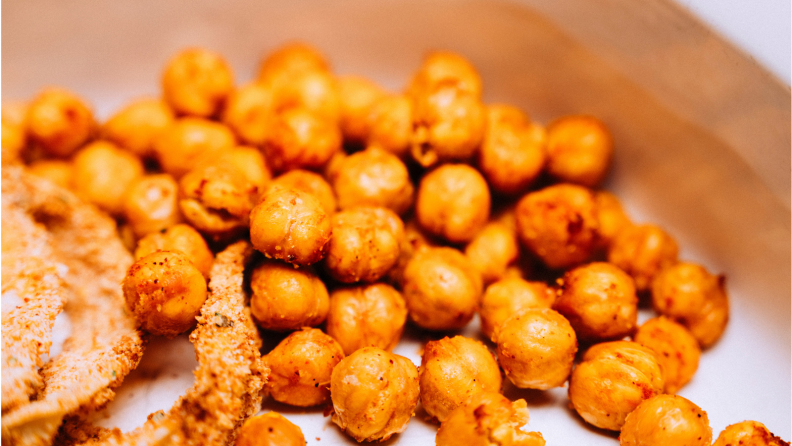 Air-fried chickpeas