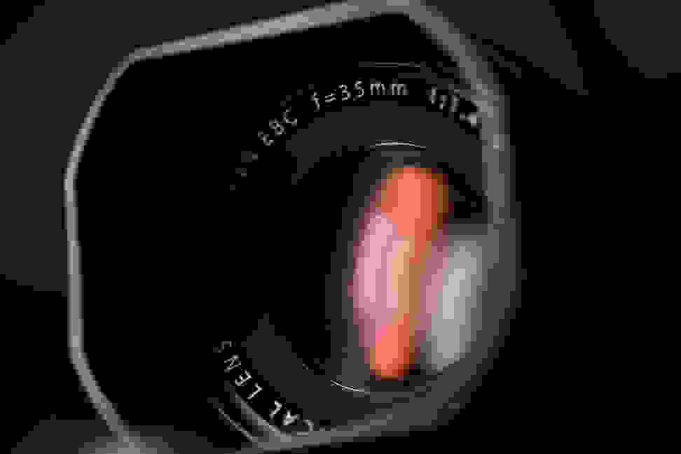 fuji-35mm-f1p4-review-design-front.jpg
