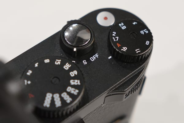The control scheme on the Leica X is nice and simple, comprised of several physical dials.