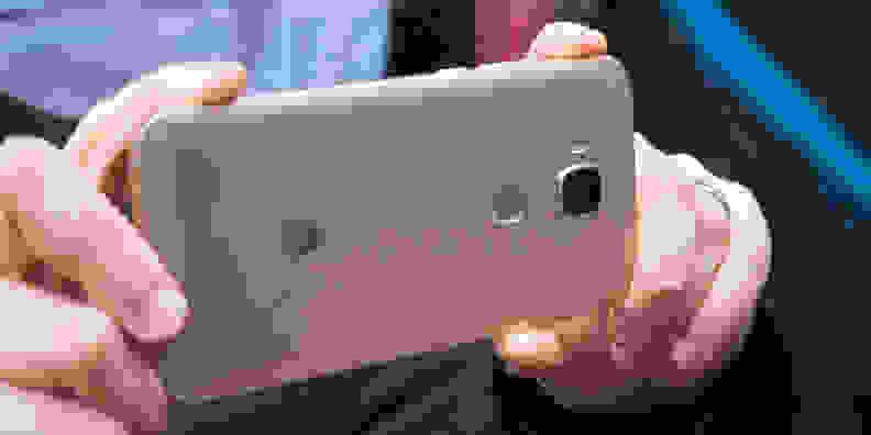 Huawei GX8 Camera In Use
