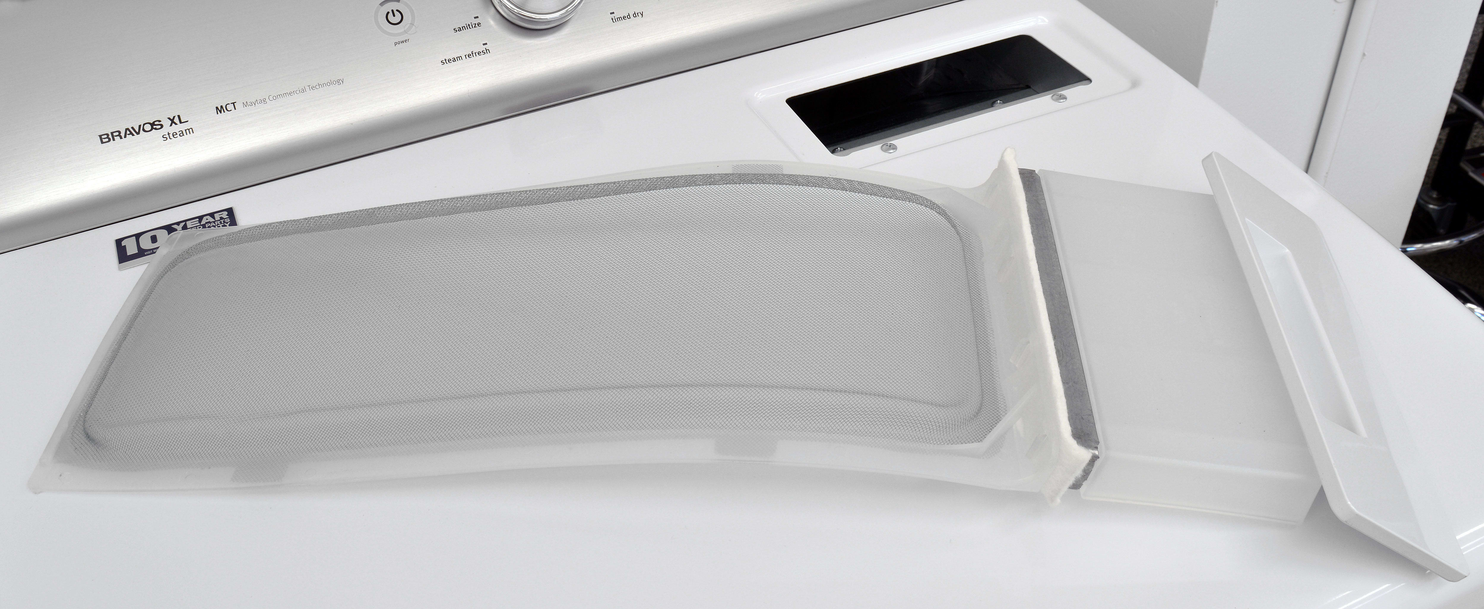 A pullout is probably the most dated feature on the Maytag Bravos MEDB755DW.