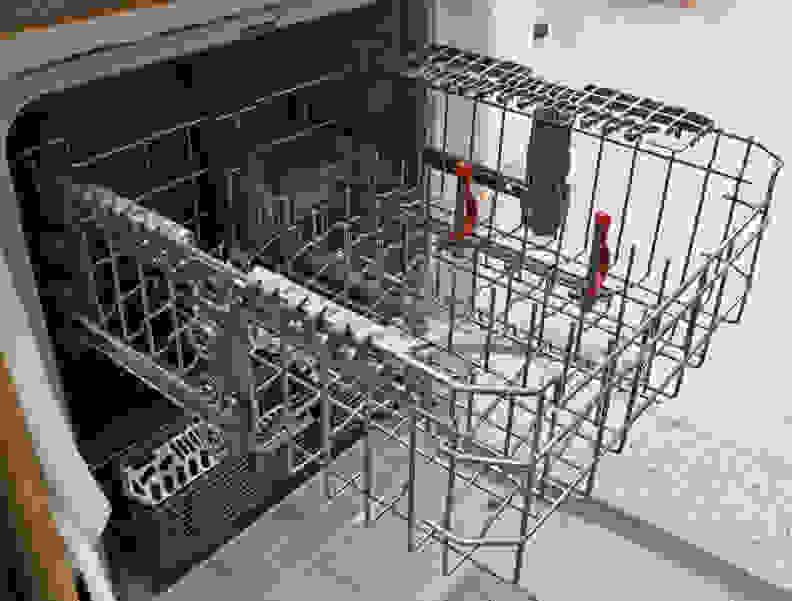 GE GDF610PGJWW Upper Rack