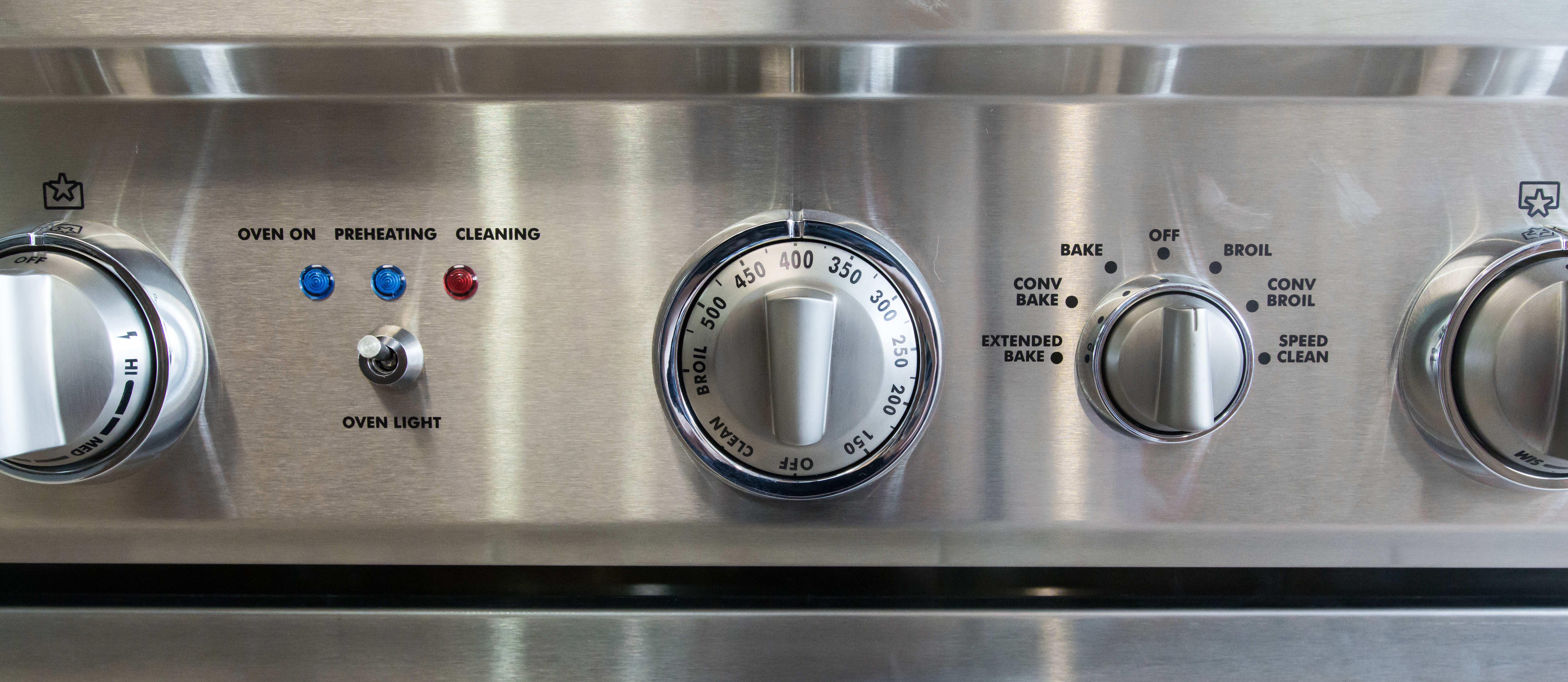 Control knobs for oven