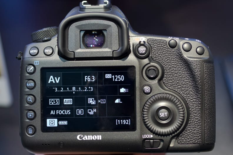 canon-5ds-rear-full.jpg