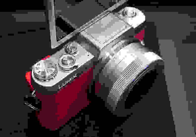 Panasonic Lumix GF7 –Top Controls