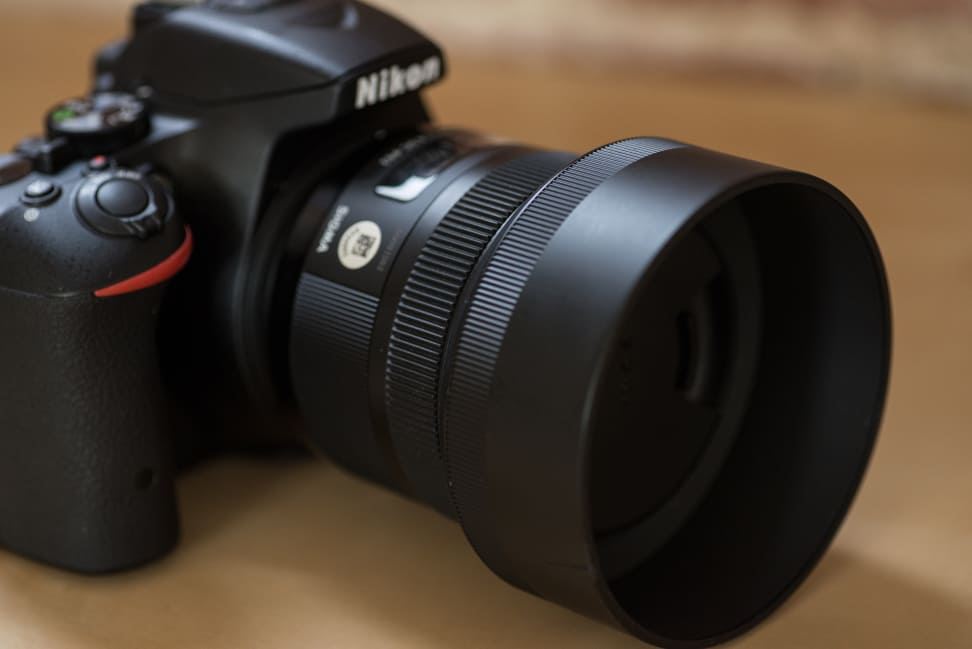 sigma-30mm-f1p4-review-design-camera-side.jpg