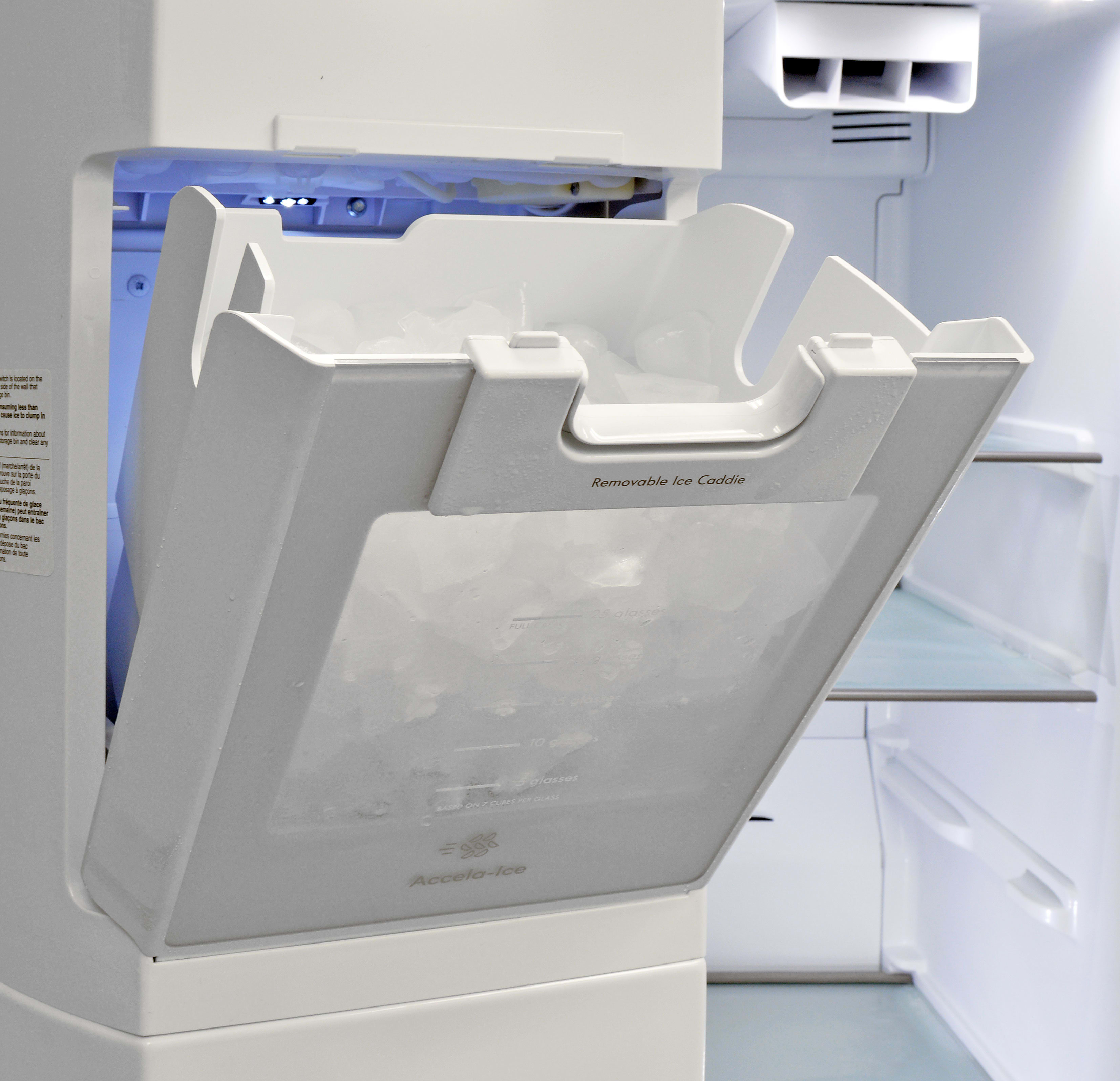 It's also very easy to take out of the Kenmore Elite 51773, making larger quantities of cubes a cinch to access.