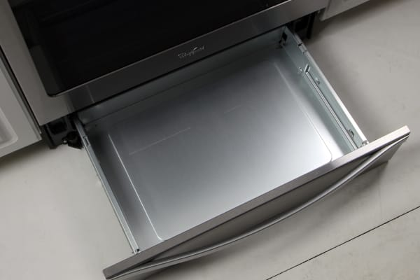 Looking for a warming drawer? Keep looking, this is just a storage drawer.