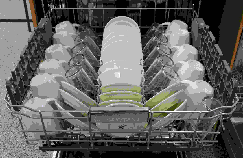 KitchenAid KDTM404ESS top rack capacity