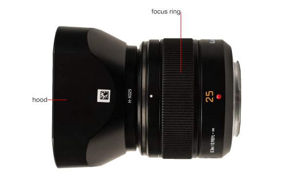 A side view of the Lumix G Leica DG Summilux 25mm f/1.4 ASPH.
