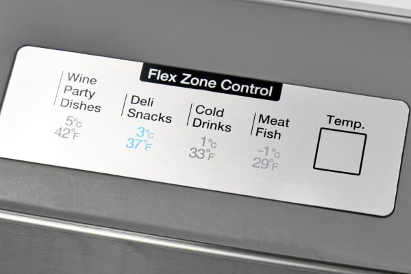 The Samsung RF28HMEDBSR's central drawer has four distinct temperature settings.