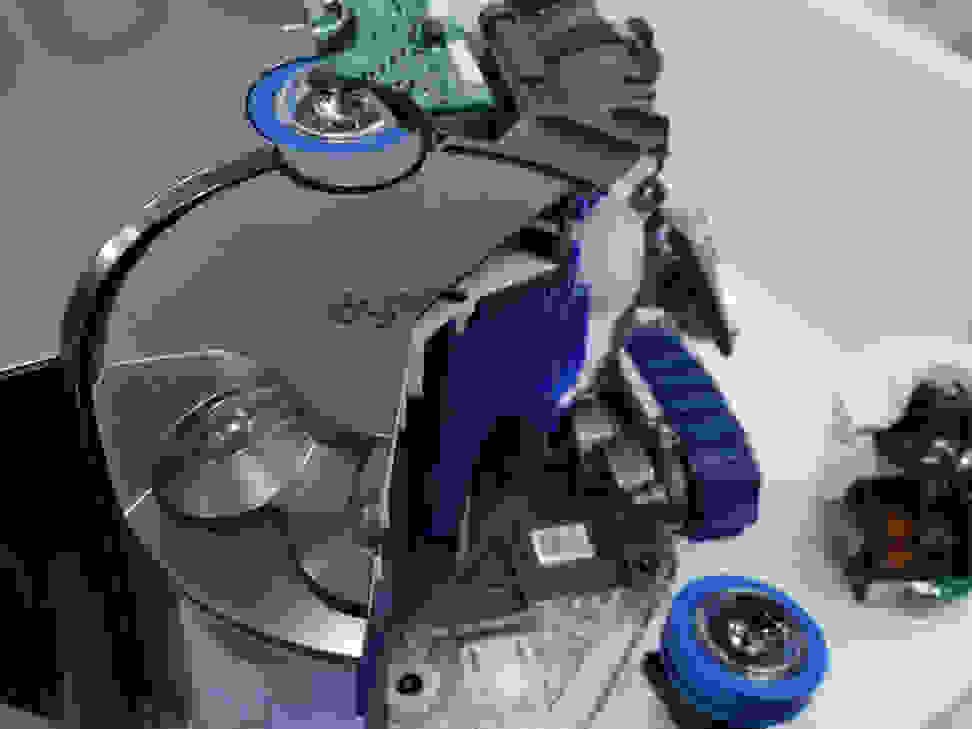 Dyson 360 Eye Robot Vaccum Hands On1.jpg