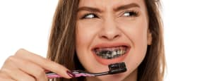 Active charcoal teeth whitener