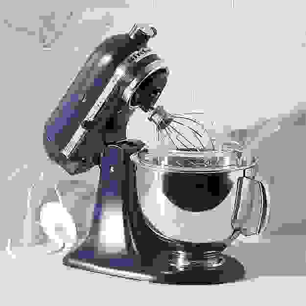 Every baker wants this KitchenAid stand mixer