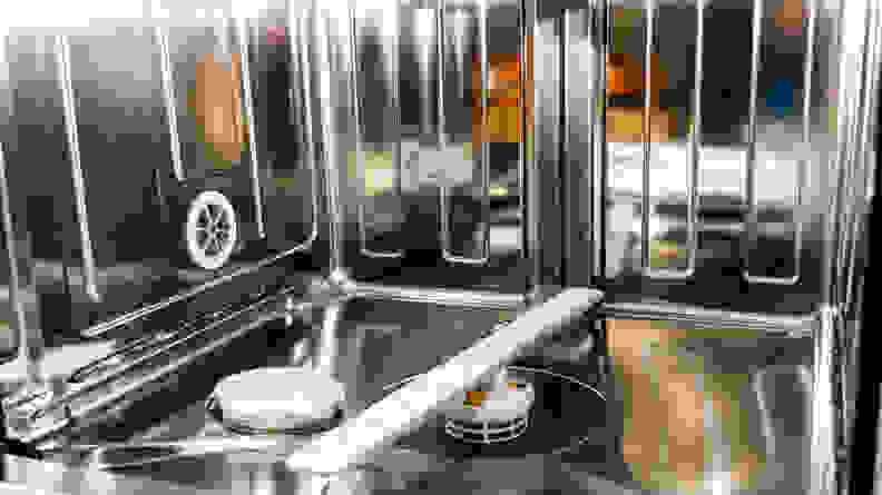 Miele G 7566 stainless steel interior