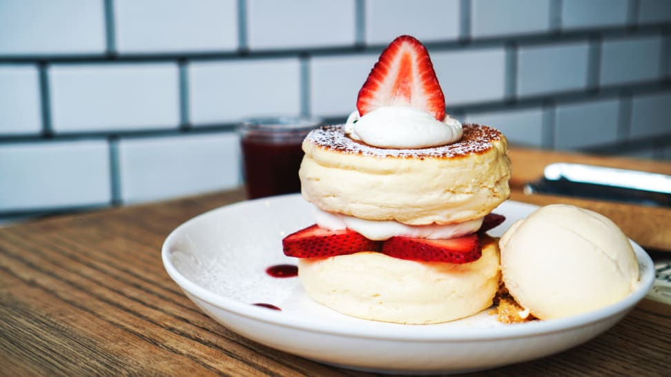 We made the Japanese souffle pancakes that are all over Instagram—here's how