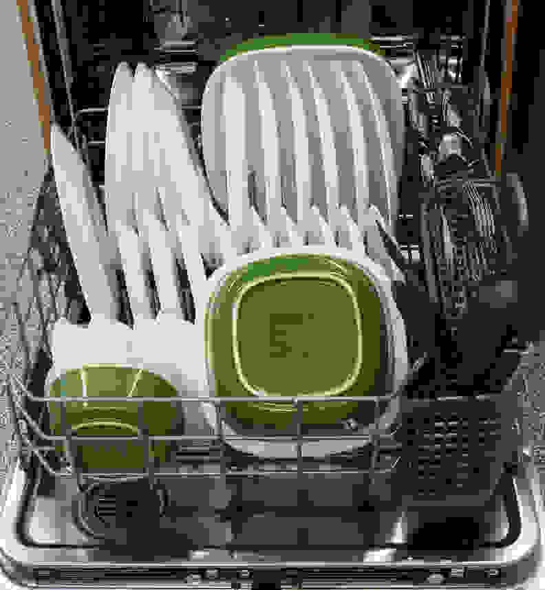 KitchenAid KDTM354DSS—Lower Rack Capacity