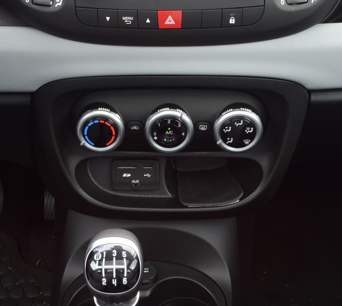 Fiat-500L-HVAC-Audio-Inputs.jpg