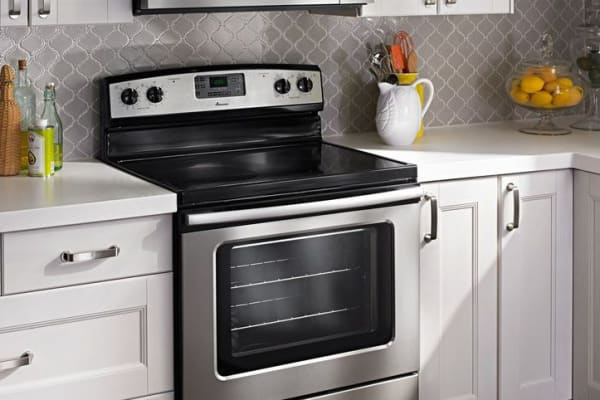 Combined with other stainless appliances, one can see how the affordable AER5630BAS still adds to a complete kitchen aesthetic.