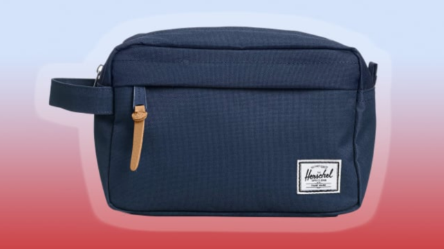 Herschel toiletry kit