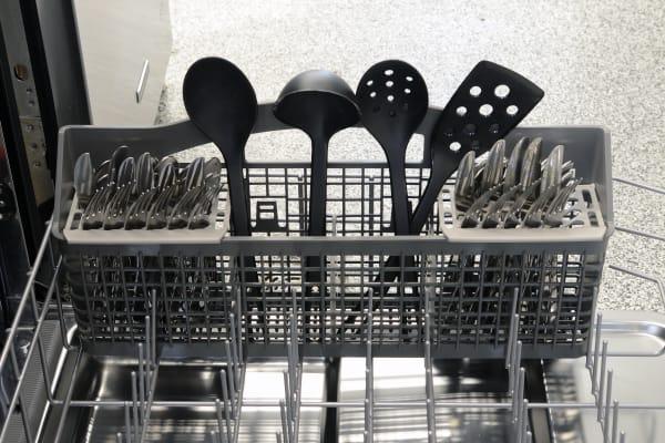 Kenmore 13403 cutlery basket capacity