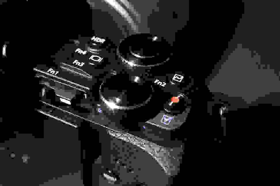 olympus-om-d-em-5-II-dual-dials.jpg