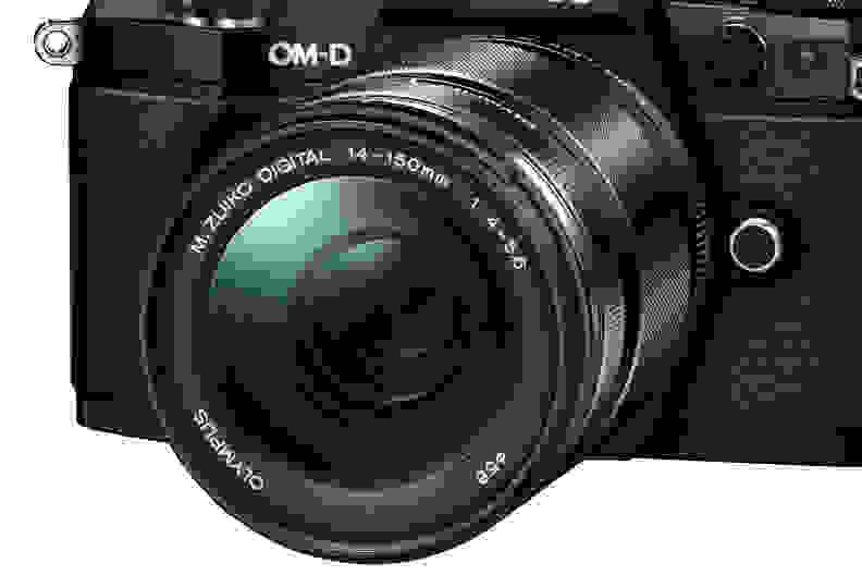 mzuiko-14-150-lens.jpg