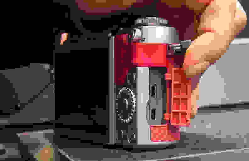 Panasonic Lumix GF7 –Ports