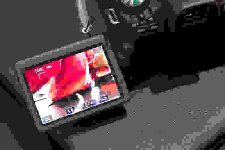 canon-t6s-variangle-touch.jpg