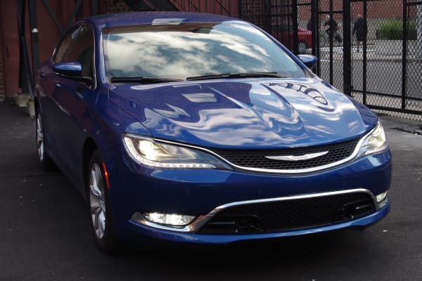 2015 Chrysler 200C front view
