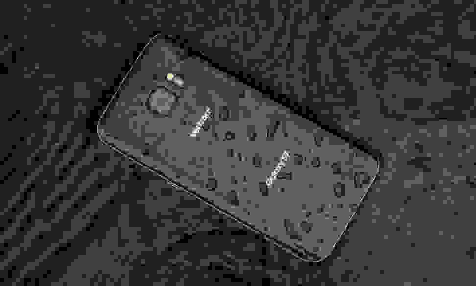 Samsung Galaxy S7 in a puddle