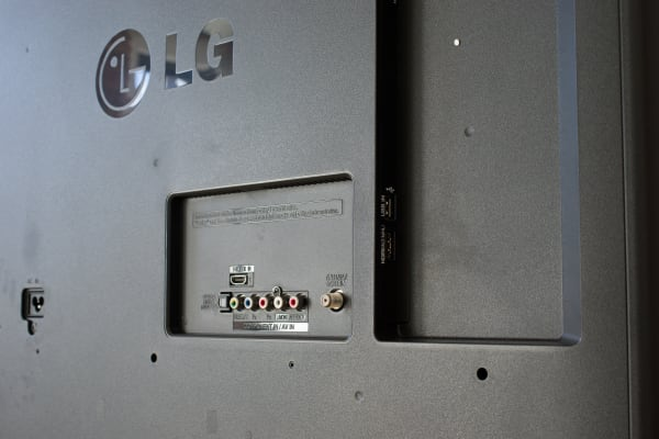 LG 47LB6000 ports