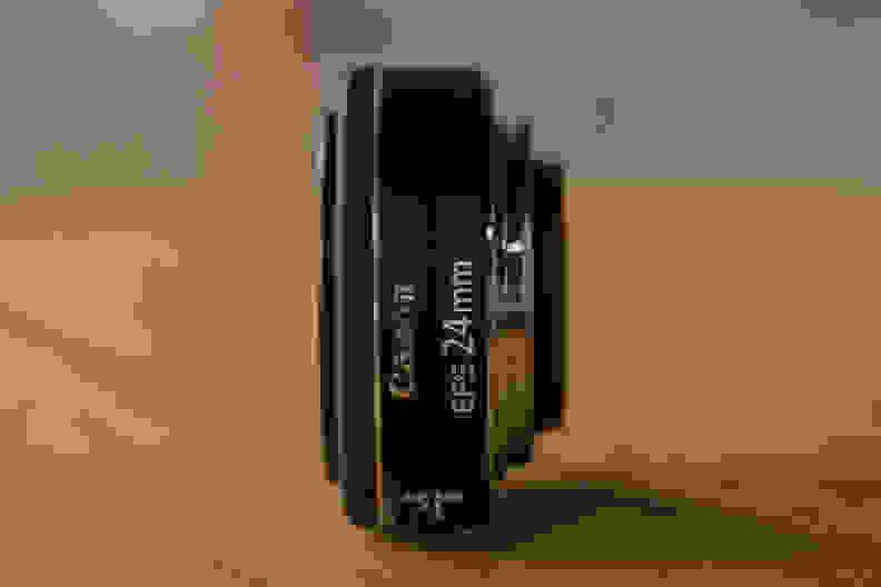 canon-24mm-pancake-design-side.jpg