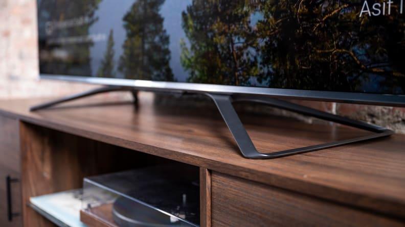 Hisense U8G Stand Design