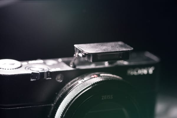 The build-in flash offers users increased utility while shooting in low light.