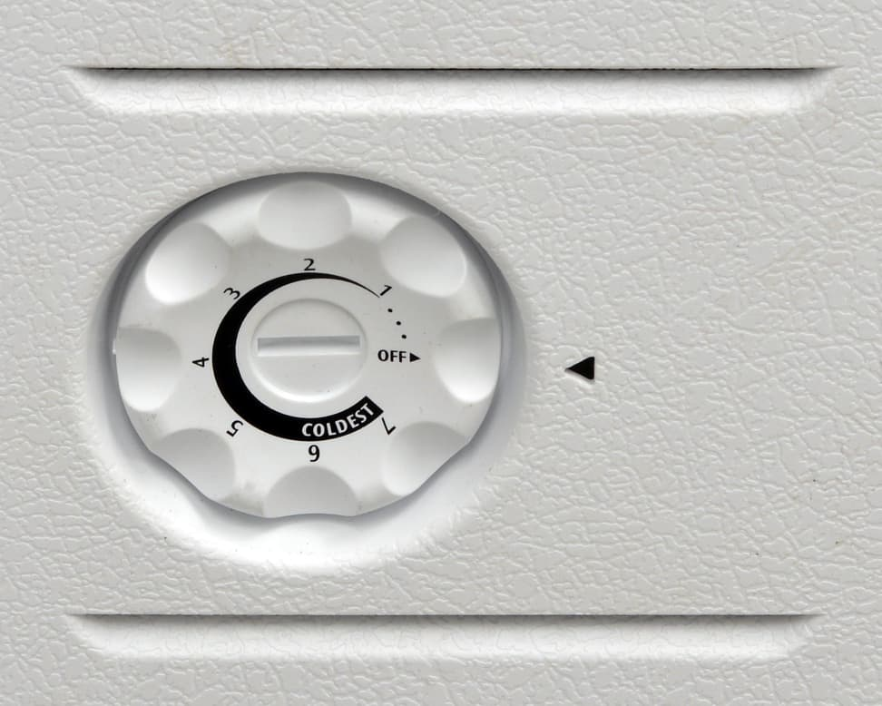 Frigidaire FFFC09M1QW Controls