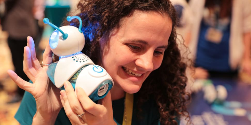 An excited CES attendee absolutely loves the Code-a-Pillar