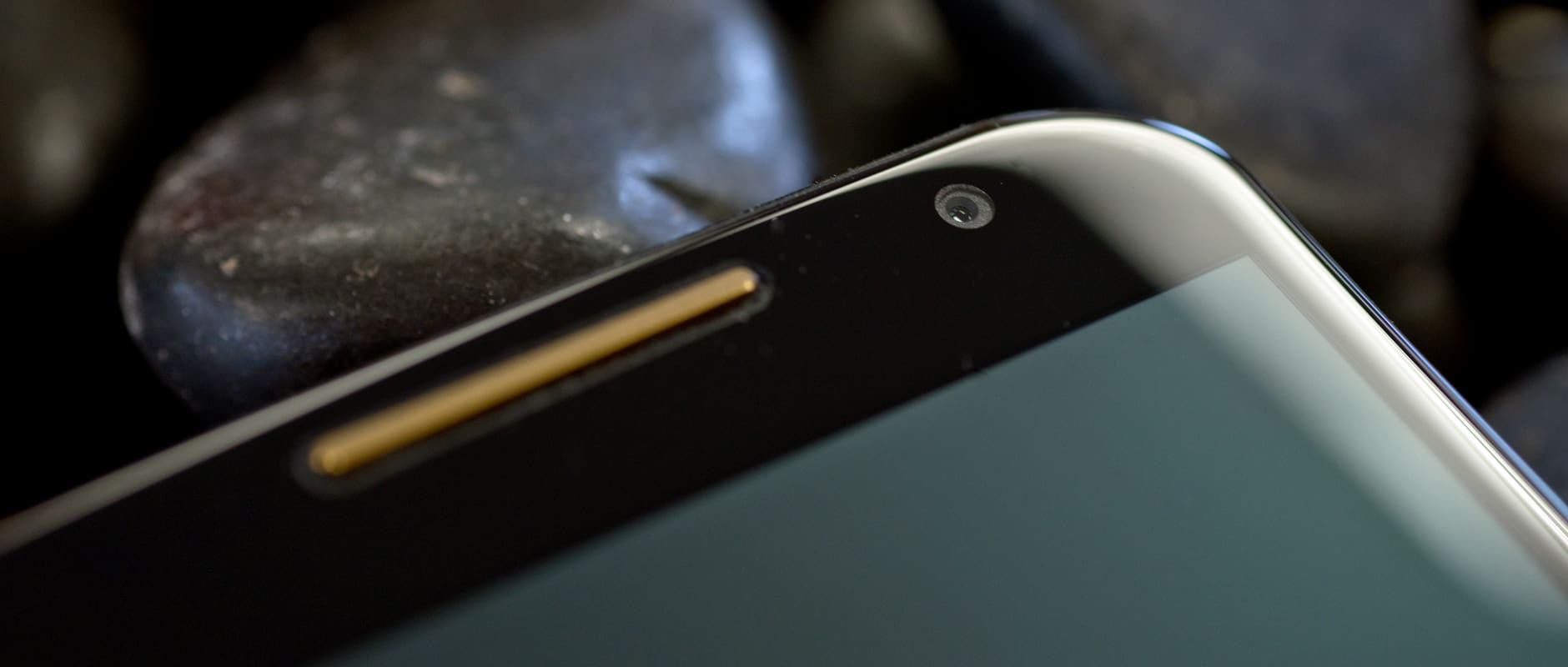 The earpiece and front-facing camera of the Motorola Moto X (2014 edition)