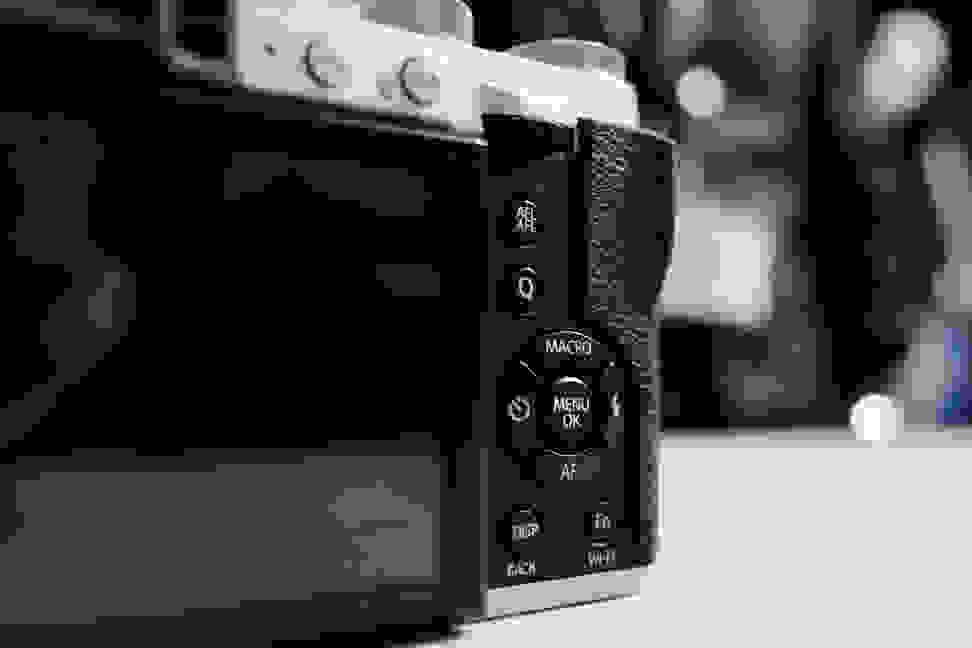 x30-rearcontrols.jpg