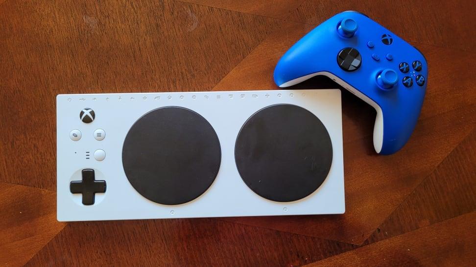 Adaptive Controller nest to blue Xbox controller