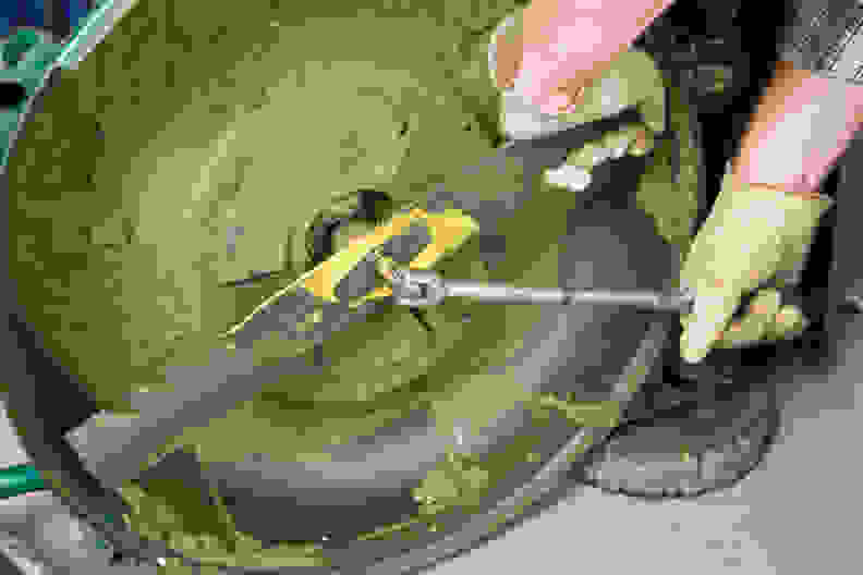 changing lawn mower blade
