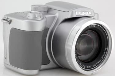 Product Image - Panasonic Lumix DMC-FZ5 K and S
