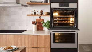 The revamped line of Bosch wall ovens can air fry, proof dough, and bake pizza.