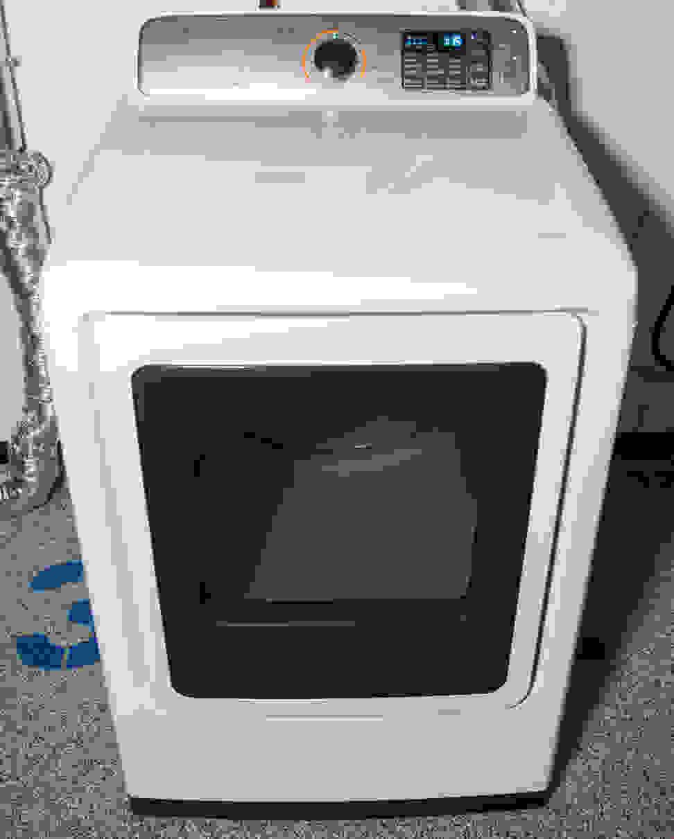 Samsung-DVE50M7450W-in-lab