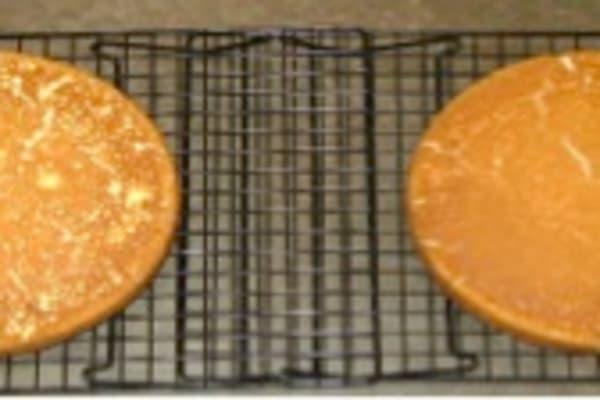 Darker cake bottoms