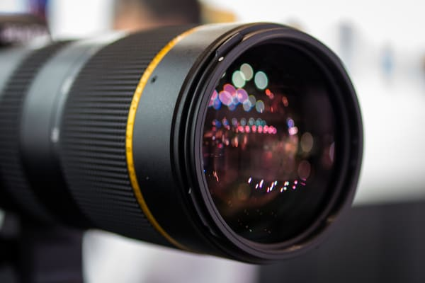 A large front element lets you know that this lens is faster than average.