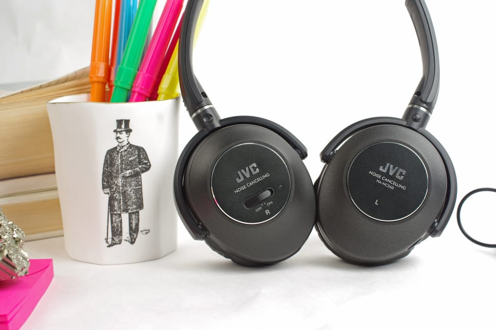 small-JVC-HA-NC260-J-cups.jpg
