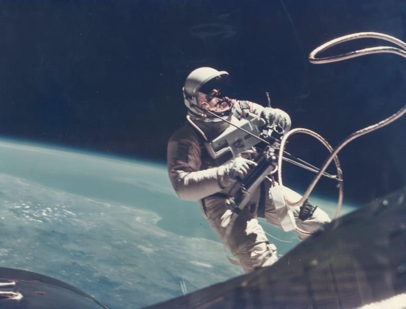 First US Spacewalk